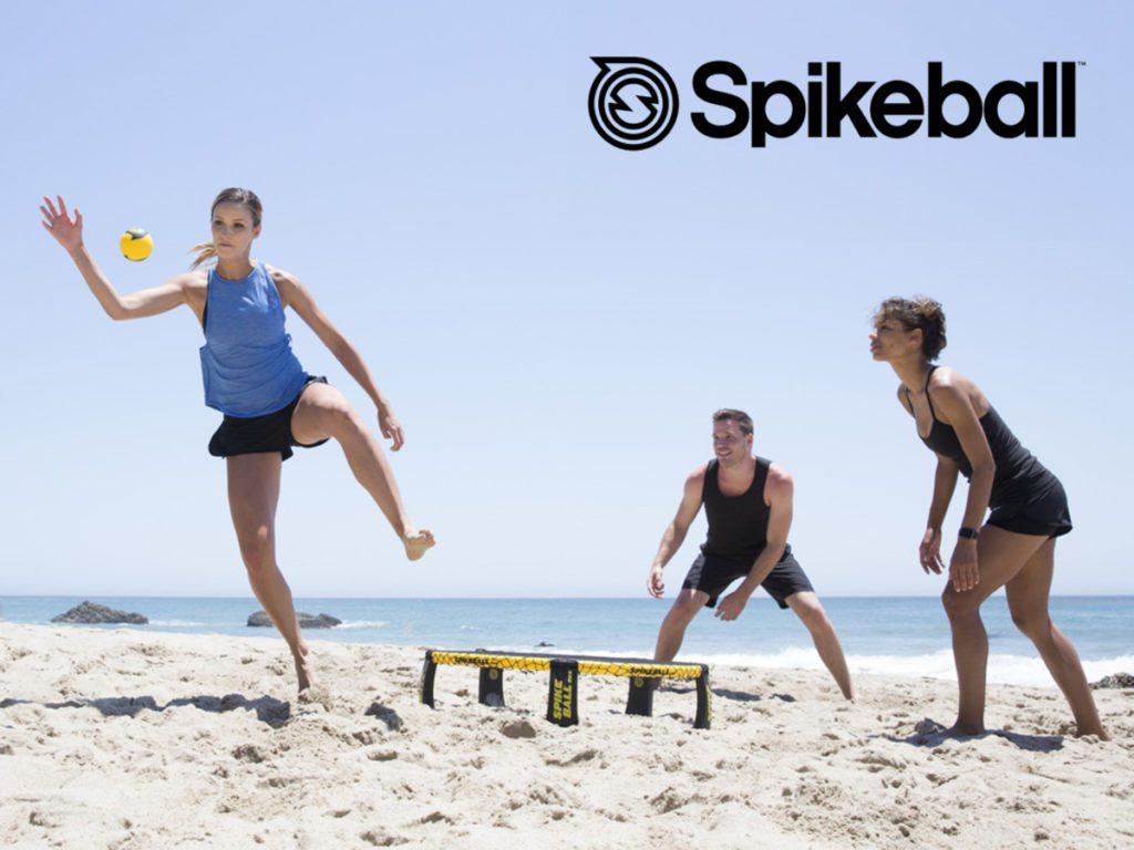 Spikeball à la plage